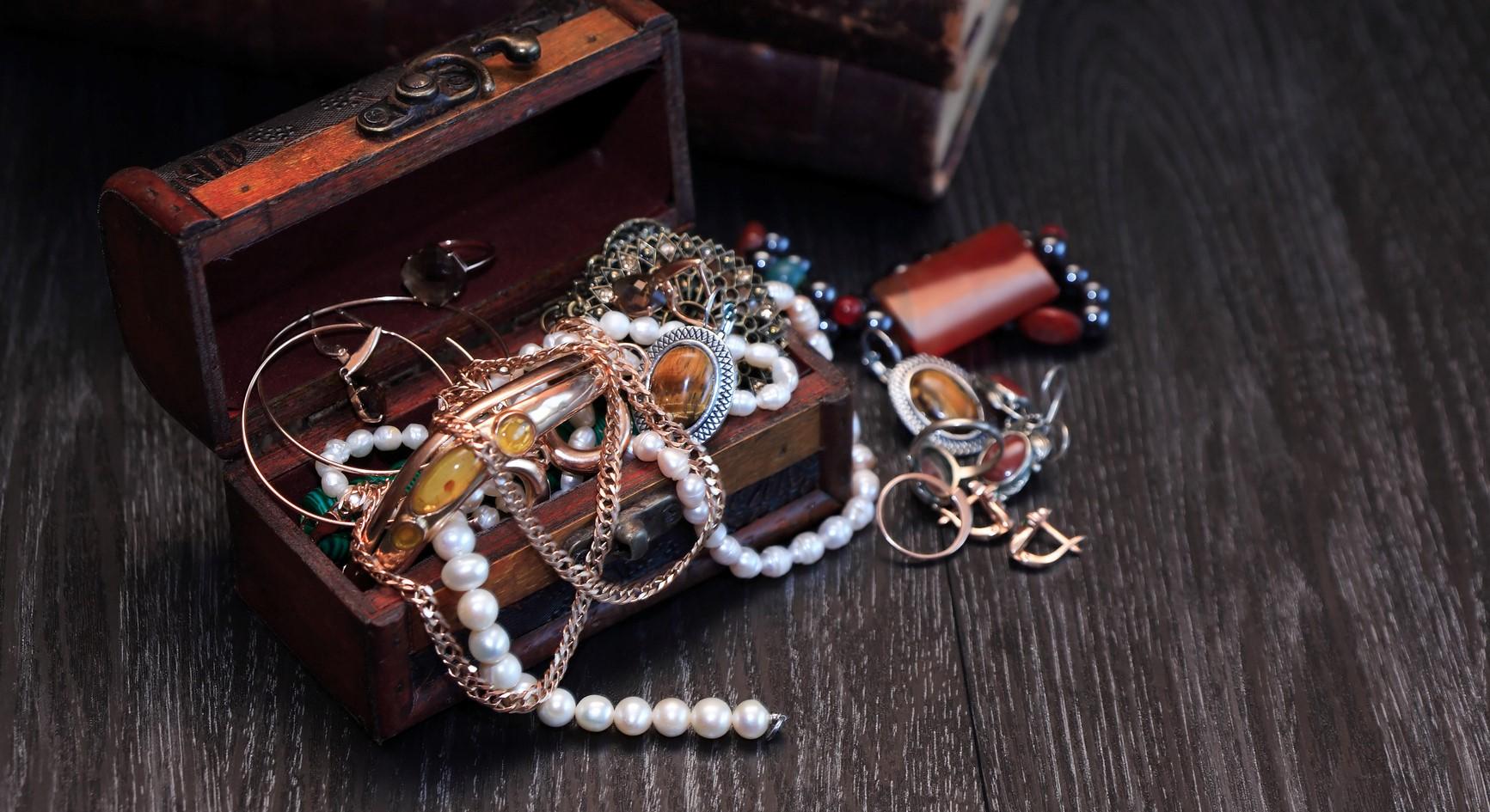 Joslin's Top Four Jewelry Care Tips