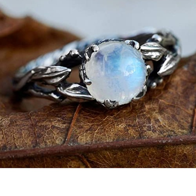 Moonstones – Mysterious and Magical